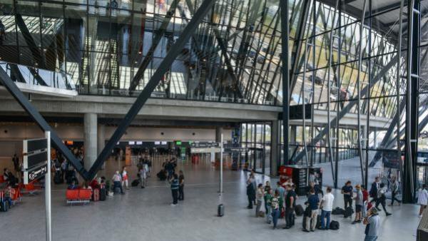 aeroport de lyon - bref eco