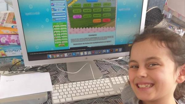 Des entrepreneurs prêtent leur matériel informatique pour les enfants confinés