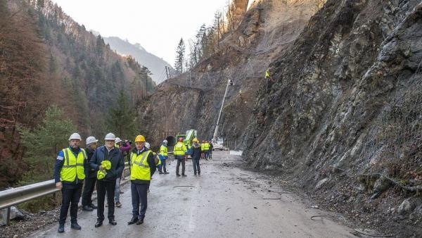 La route rouvrira sur une seule voie à partir du 21 décembre.
