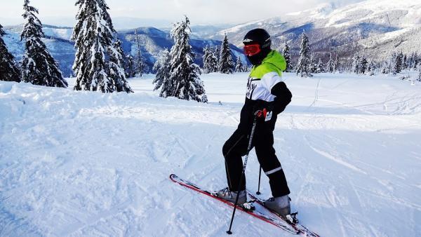 Auvergne-Rhône-Alpes et l'ANCV veulent réconcilier les jeunes et la montagne
